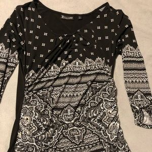 Black and white silky 3/4 shirt